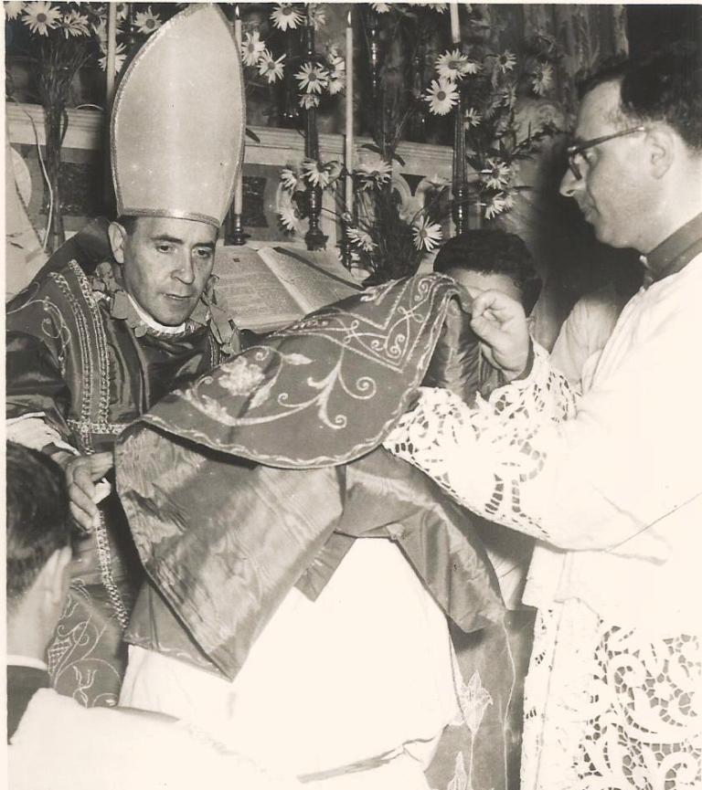 DON VINCENZO SCOTI COL VESCOVO CECE 1959
