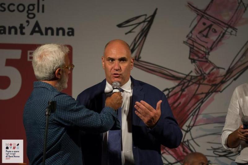 Il sindaco di Ischia, Enzo Ferrandino