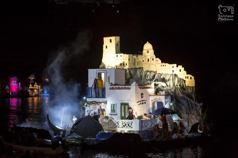 La barca di Ischia, che ha vinto l'edizione